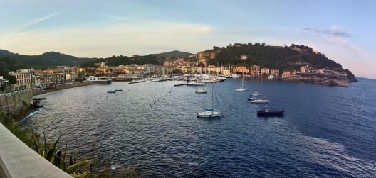 porto-azzuro-blick-auf-ort